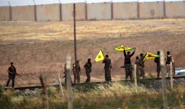 """كر وفر بين القوات الكردية و""""داعش"""" في عين العرب"""