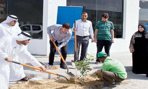 غرفة عجمان تقوم بتنفيذ مبادرة المصانع الخضراء
