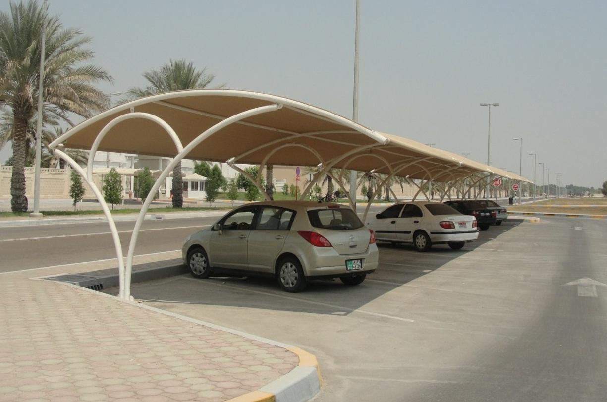 أبوظبي: شركة تعرض مظلات للسيارات قادرة على توليد الكهرباء