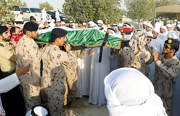 تشييع جثمان الشهيد عبدالله الحوسني إلى مثواه الأخير