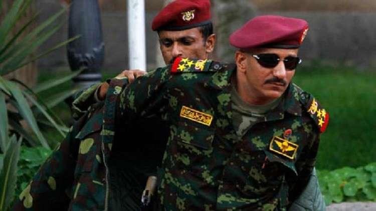 تقرير: أبوظبي تمارس ضغوطاً في اليمن لاستيعاب قوات طارق صالح