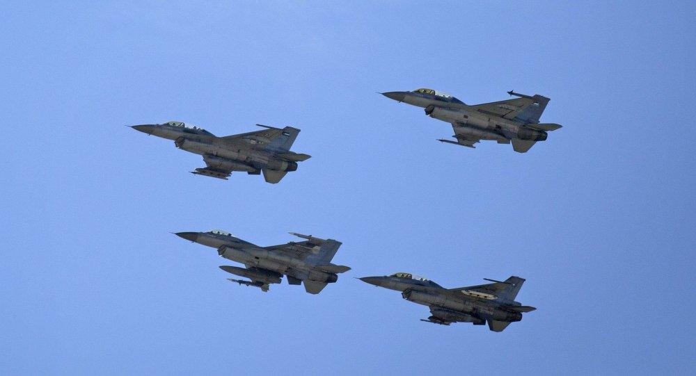 """الامارات تعلن استئناف غاراتها الجوية ضد تنظيم """"داعش"""""""