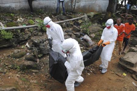 عدد وفيات الإيبولا يتجاوز 2400 في غرب أفريقيا