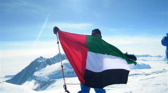 فريق عسكري إماراتي يبدأ مغامرة تسلق جبل إيفرست