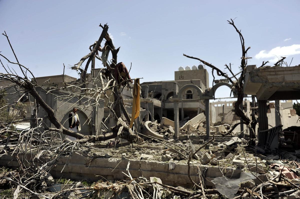 المقاومة تُطهر الضالع من الحوثيين والتحالف يدمر منزل صالح