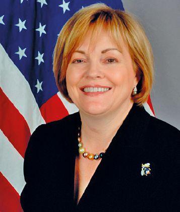 """السفيرة الأمريكية لدى ليبيا: """"حفتر"""" شخص مثير للمشاكل ورصيده موضع جدل"""