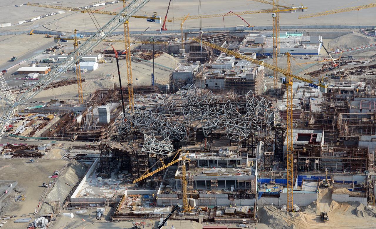 كلفة البناء بأبوظبي تتراجع 5% بعد انخفاض الحديد 30%