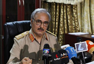 حفتر يشن هجوما بالصواريخ على بنغازي
