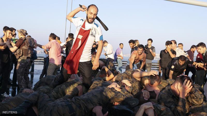 عواصم غربية تحاول إنقاذ انقلابيي تركيا من العدالة
