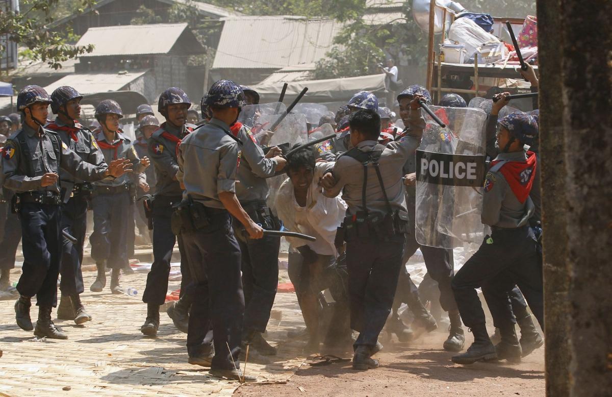 أمريكا تفرض عقوبات ضد الجيش البورمي إثر أزمة الروهينغا