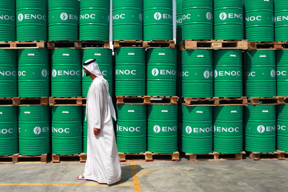 النفط يسجل مكاسب أسبوعية قوية ومحللون يرون الصعود غير مبرر