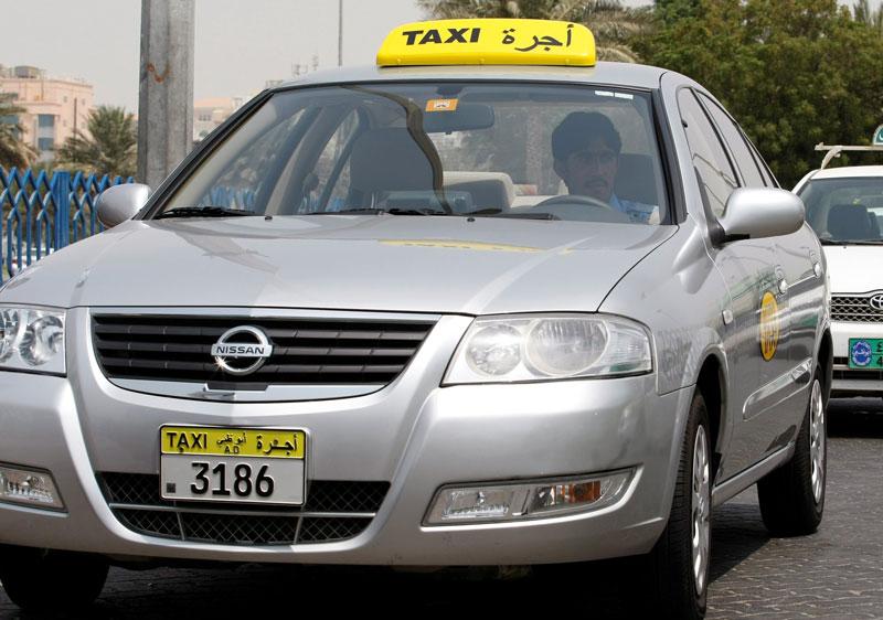 حملات تفتيش على سيارات الأجرة في أبو ظبي