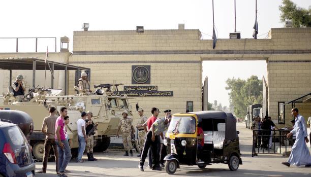 رايتس ووتش: حالات وفاة كثيرة في السجون المصرية نتيجة التعذيب