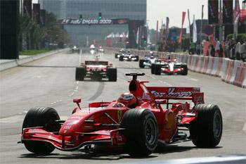 إقبال كثيف على شراء تذاكر سباق جائزة فورمولا -1 في أبوظبي