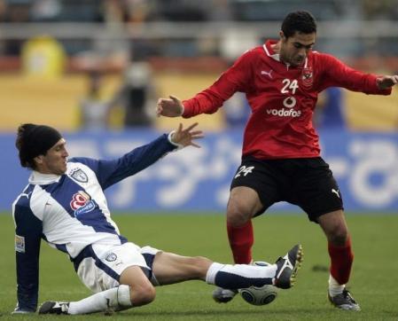 الأهلي المصري ينفي توقيع لاعبه فتحي لعقد مع الاتحاد السعودي