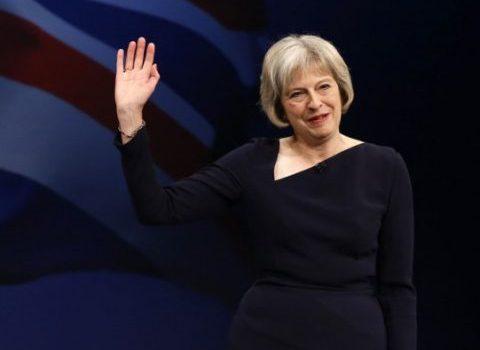 رئيسة وزراء بريطانيا مستعدة لتوجيه ضربة نووية لـ100 ألف من الأبرياء