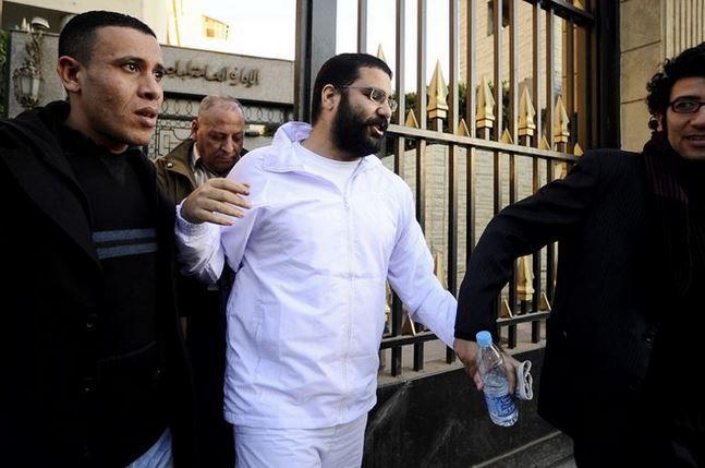 مصر: السجن 15عاما للناشط الليبرالي علاء عبدالفتاح