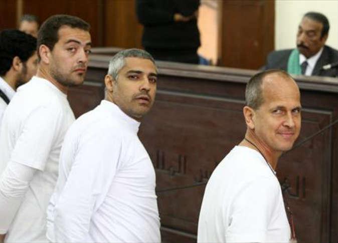 """القاهرة  تستدعي السفير البريطاني لانتقاده الأحكام على""""صحفيي الجزيرة"""""""