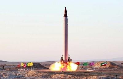 """طهران تجري تجربة لصاروخ باليستي موجه بدقة وصفتها """"بالناجحة"""""""
