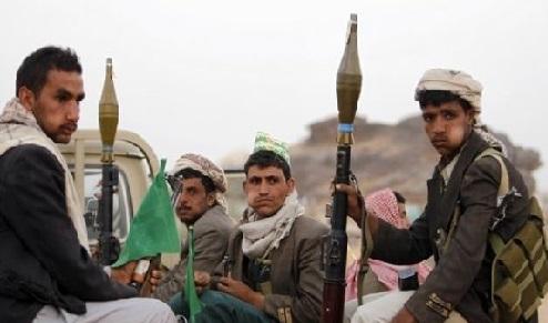 """انتكاسة ميدانية.. الحوثيون يطبقون الحصار على """"تعز"""" ويوسعون رقعة الحرب"""