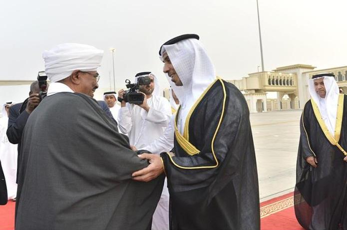 البشير يصل أبوظبي في زيارة رسمية