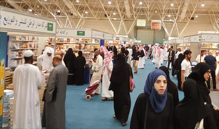 أرقام مفزعة.. كم كتاباً يقرأ المواطن العربي في السنة؟