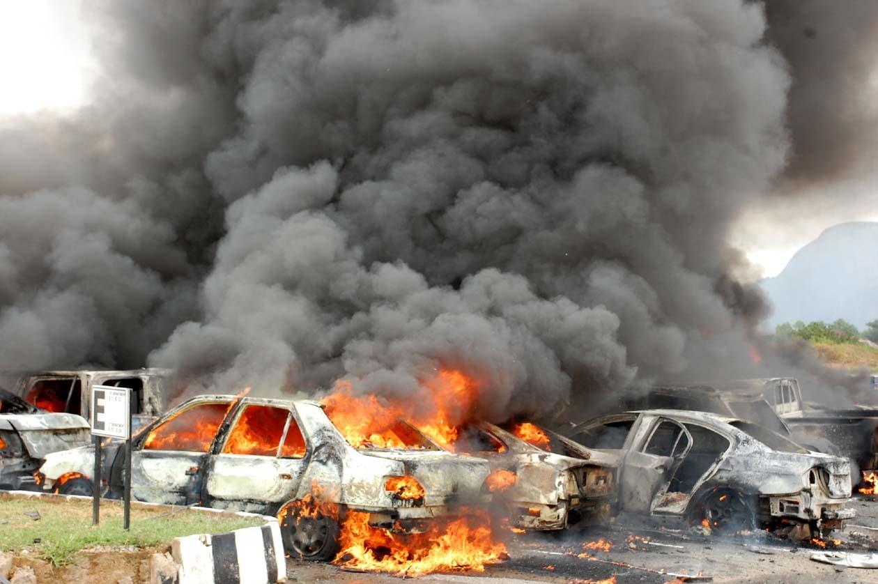 """تفجير يودي بحياة العشرات تبناه """"داعش"""" في بغداد"""
