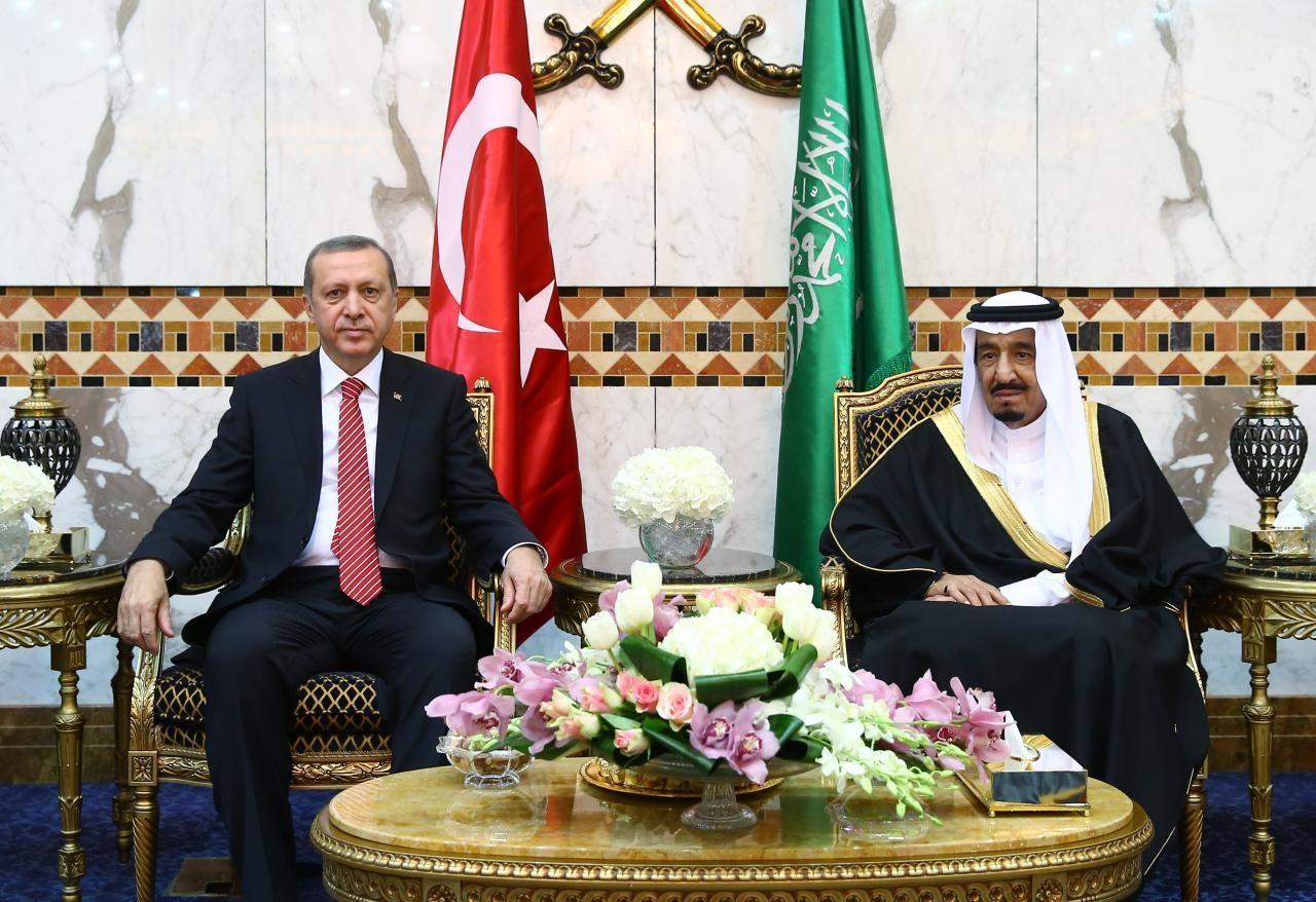 """أردوغان يهاتف الملك سلمان ويجدد دعمه لـ""""عاصفة الحزم"""""""