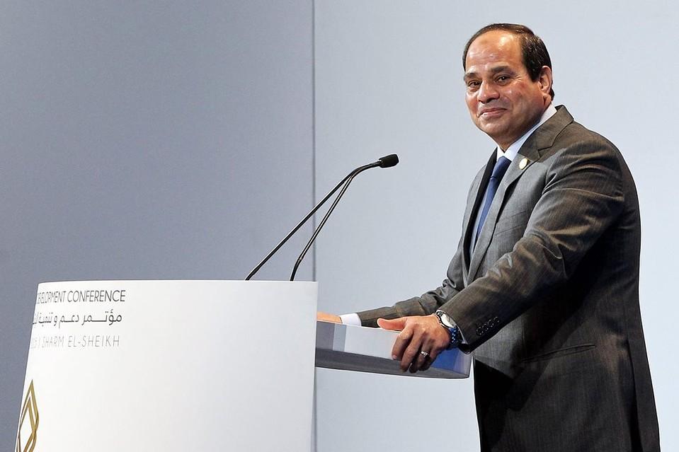 نيويورك تايمز: المؤتمر الاقتصادي أظهر اعتماد السيسي على دول الخليج