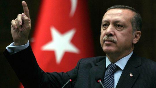 عشية الانتخابات.. أردوغان يتهم عناصر داخلية وخارجية باستهداف أمن تركيا