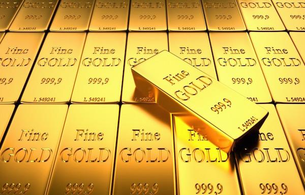 الذهب يصعد مع تراجع الدولار والأسهم