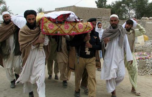 طالبان تقتل 16 شخصا بينهم أربعة جنود  بأفغانستان