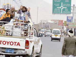 المتمردون الحوثيون على وشك السيطرة على عمران