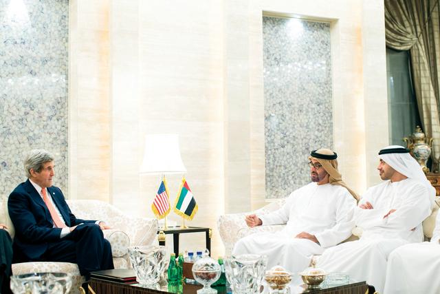 """لوفيغارو: الإمارات محبطة من واشنطن حول """"حرب داعش"""""""