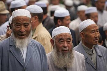 الصين تمنع الملتحين والمحجبات من ركوب الحافلات