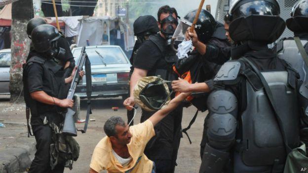 «هيومن رايتس ووتش»: على بريطانيا التدخل لإنقاذ حقوق الإنسان في مصر