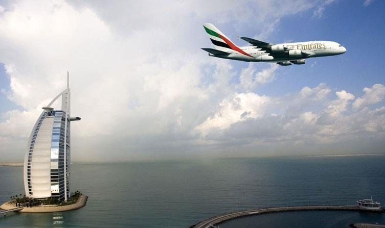 الإمارات تخضع الطيران فوق الأجواء الليبية للمراقبة وتبحث الحظر