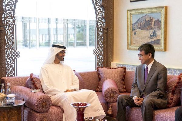محمد بن زايد يستقبل وزير الخارجية الياباني