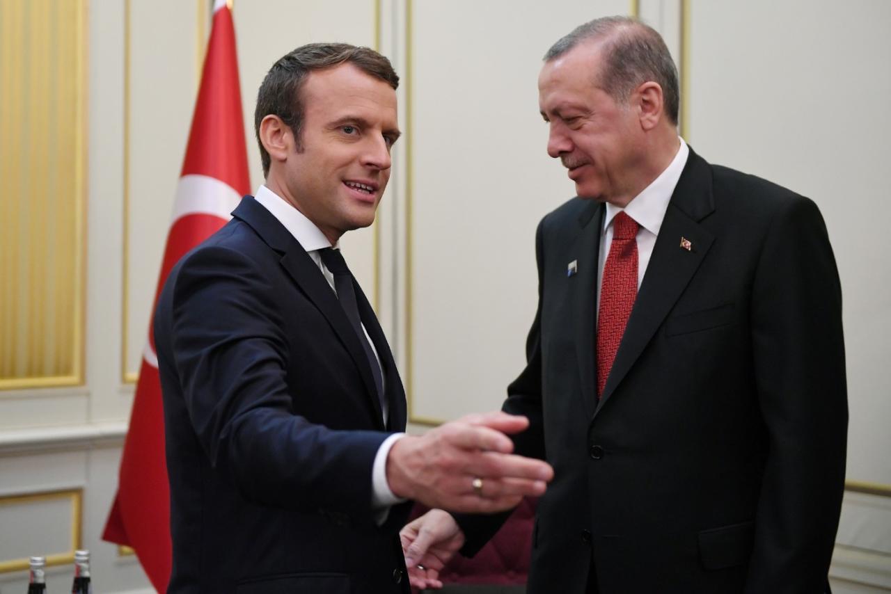 ماكرون: أسعى لإغضاب الرؤساء واضطر للحديث مع أردوغان أسبوعياً