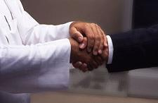 مذكرة تفاهم بين الإمارات وسلطنة عمان في مجال حماية المستهلك