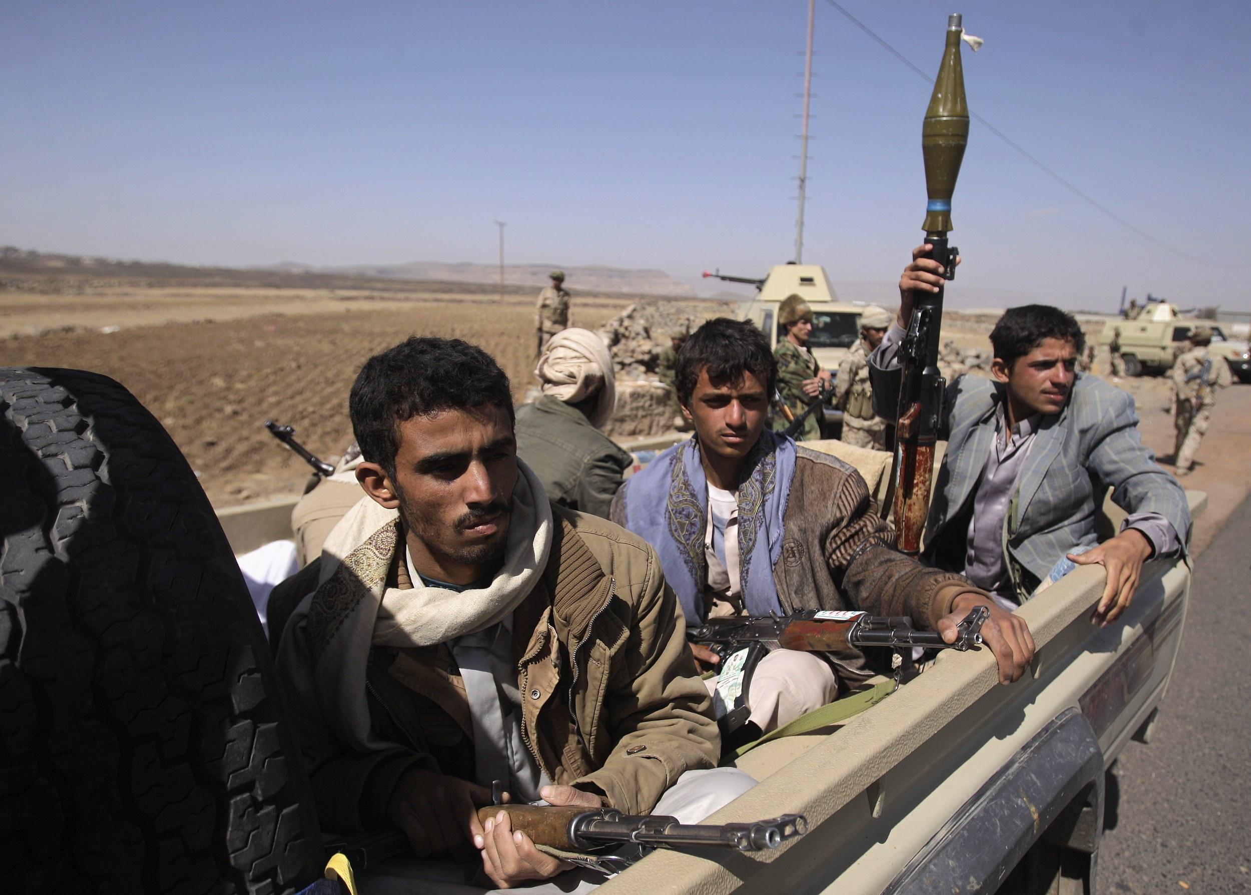 أولى التهديدات الإيرانية.. مناورات عسكرية للحوثيين على حدود المملكة