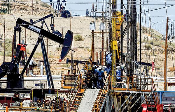 أسعار النفط تسجل أعلى مستوى في 2016