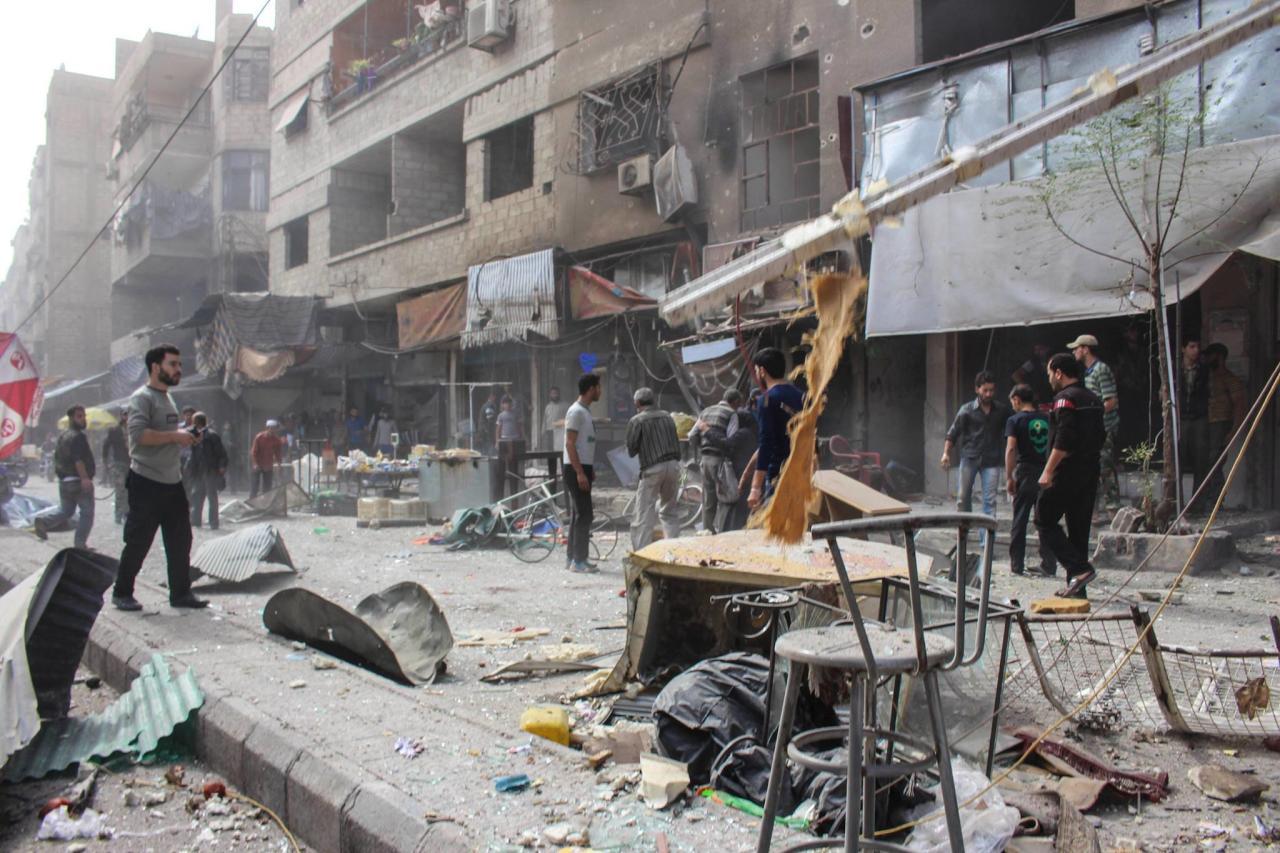 مجزرة روسية بالقنابل العنقودية تودي بحياة 35 في دير الزور