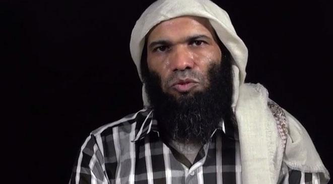 فيديو جديد للدبلوماسي السعودي المختطف لدى القاعدة باليمن