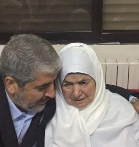 خالد مشعل في عمان للمشاركة في تشييع جثمان والدته