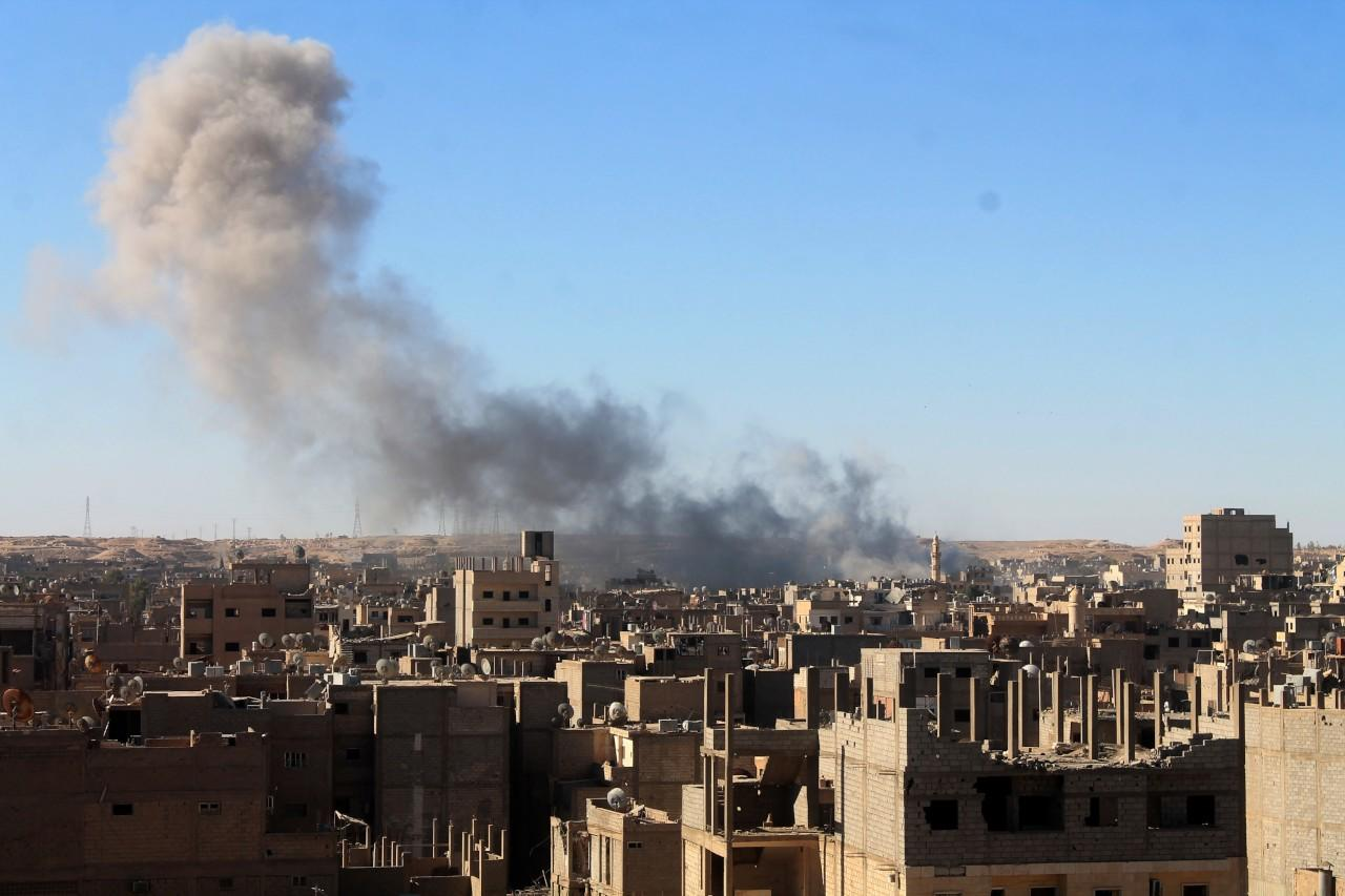 """روسيا تنتهك """"خفض التصعيد"""" في حلب وحماة ومقتل 20 مدنياً بدير الزور"""