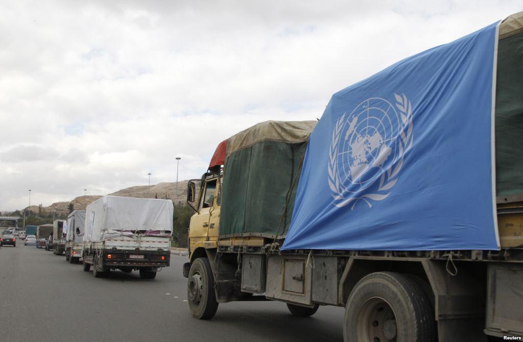 مرور أول قافلة مساعدات إنسانية إلى سوريا دون معرفة النظام