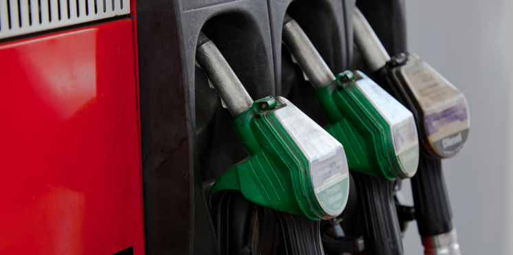 سلطنة عمان ترفع أسعار مادتي البنزين والديزل