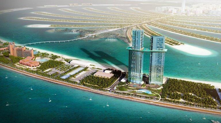 دبي تنشئ أعلى وأكبر حوض سباحة معلق بالعالم