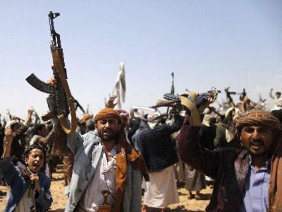 الحوثيون يعطلون وزارة الداخلية والقاعدة تسيطر على طرق رئيسية